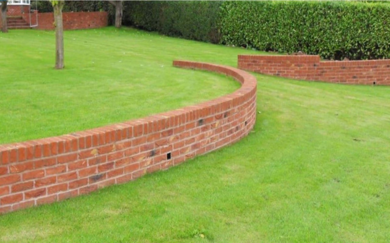 Paving & Patios Garden Wall image-min